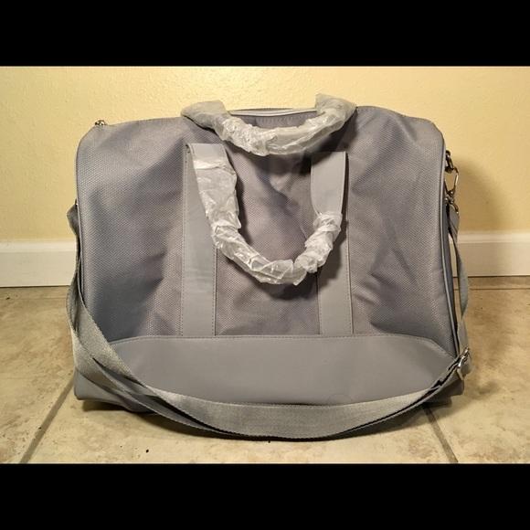 d99f36e3eb7e Giorgio Armani Gray Tote Carry-All Bag NEW